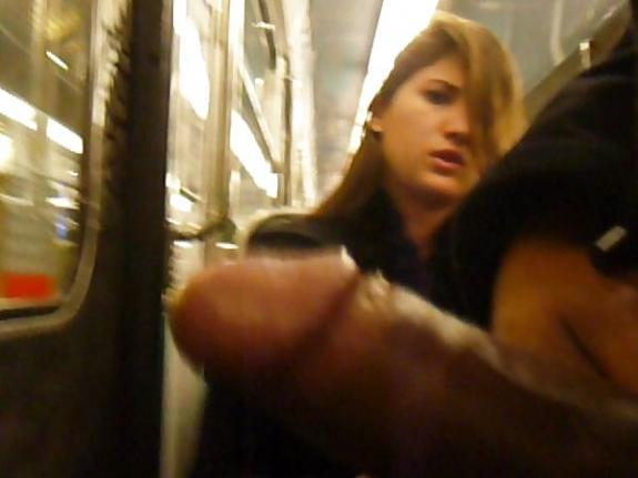 Public dick flash to a mature women