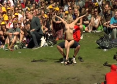 Fully Nude Lapdance in Front of a Crowd